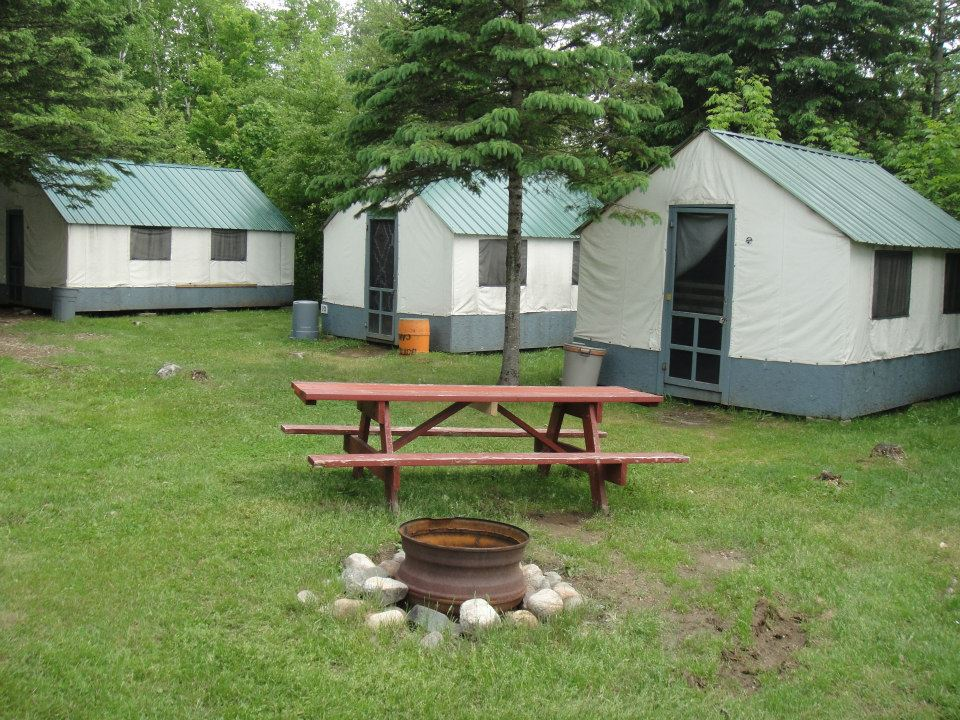 Maine Lodging amp Camping : Cabin tents from www.magicfalls.com size 960 x 720 jpeg 172kB